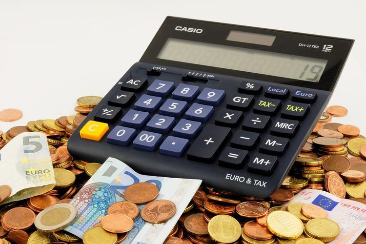 Экономист оценил идею освободить малоимущих от НДФЛ