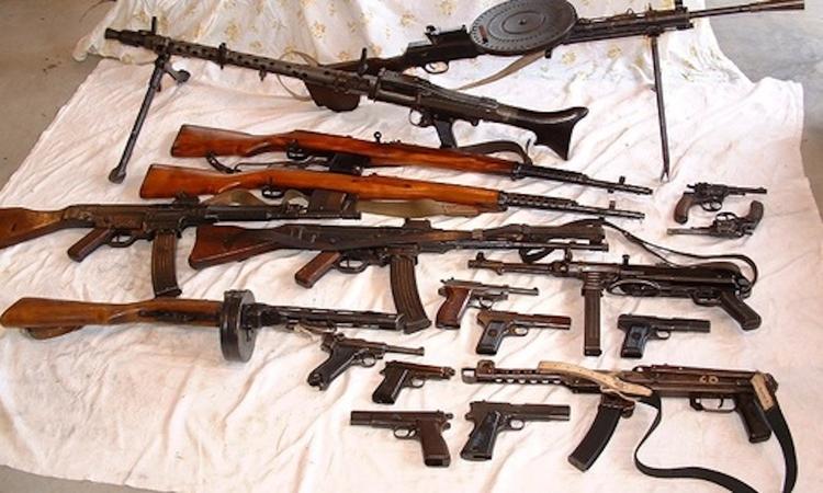 В Севастополе будут судить мужчин, хранивших боевой арсенал времён войны