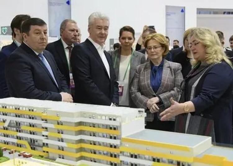 Руководство Москвы продолжит масштабное строительство медицинских учреждений в столице