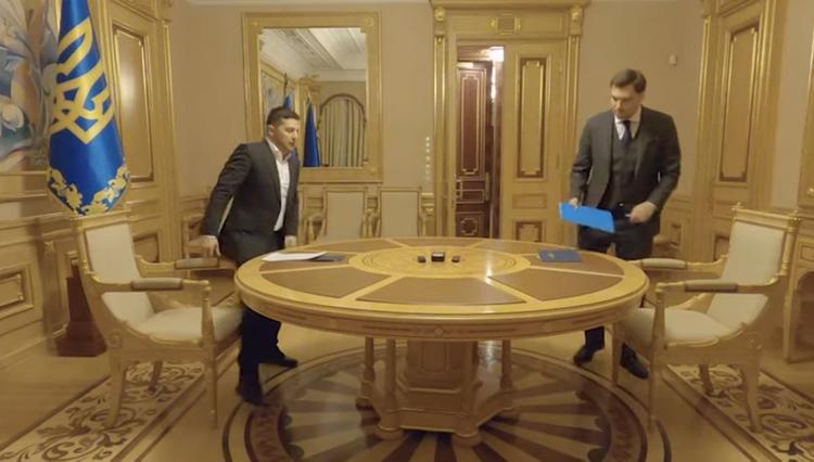 Зеленский оставил Гончарука премьером
