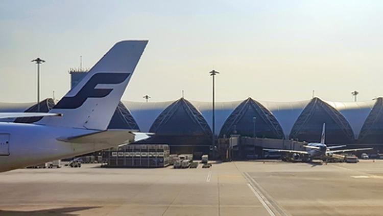 В аэропорту Таиланда усиливают  контроль за пассажирами  из-за вспышки коронавируса в Китае