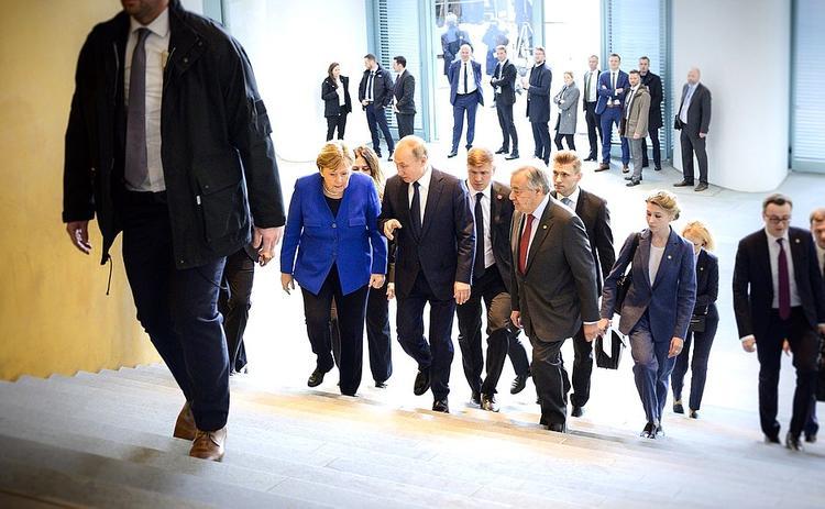 Видео: диалог  Путина и генсека ООН на русском в Берлине удивил Меркель