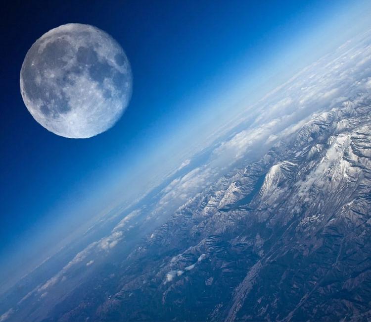 Видео: во Флориде ракета-носитель Falcon 9 стартовала с Crew Dragon