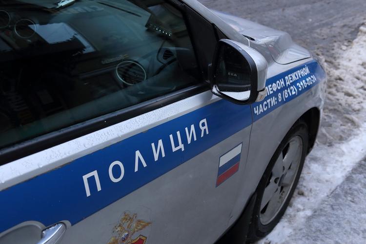«Могу себе позволить!» В Новосибирске уволен полицейский, заливший в авто виски вместо незамерзайки