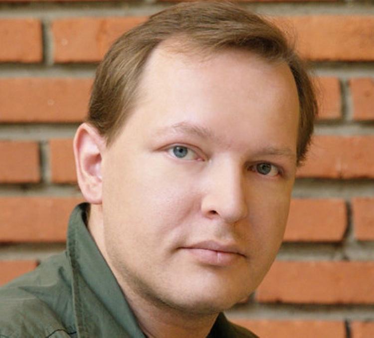 Скоропостижно умер актер Данила Перов. Сыну Раисы Рязановой был 51 год