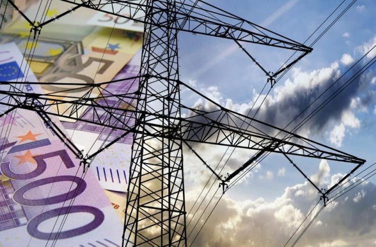 Грабеж со стороны государства: как Латвия «выкачивает» деньги у народа