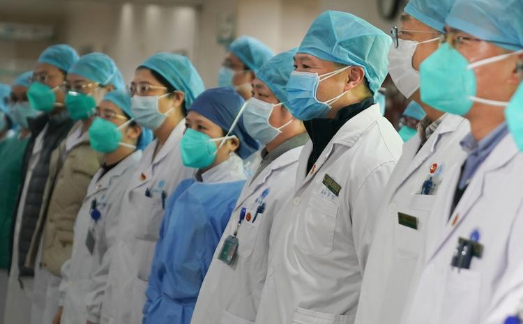 В Китае число погибших от нового типа коронавируса возросло до 26