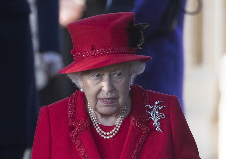 СМИ утверждают, что отъезд принца Гарри и его жены в Канаду подкосил здоровье Елизаветы II