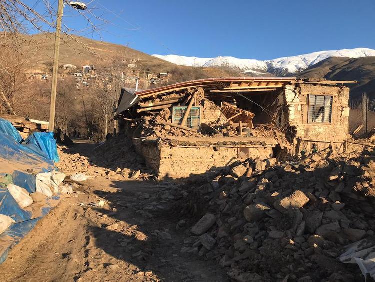 Последствия мощного землетрясения в Турции сняли на камеру беспилотника