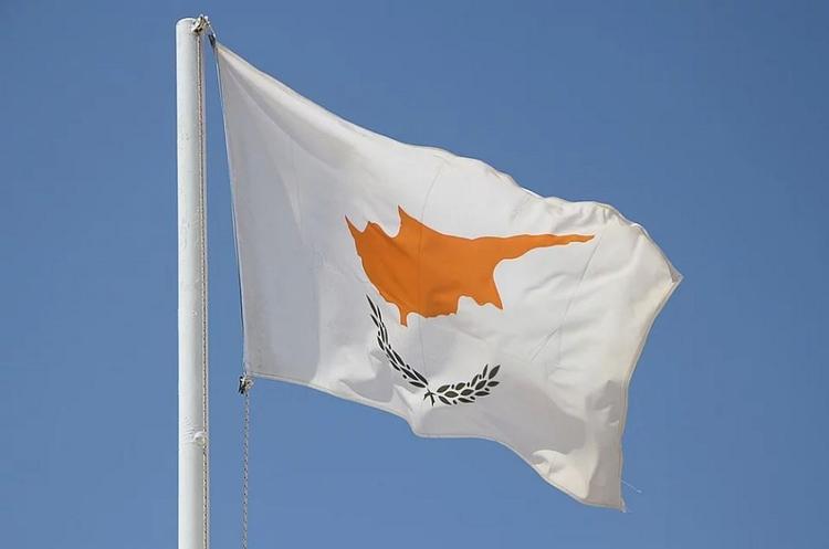 СМИ: Кипр блокирует введение новых антироссийских санкций
