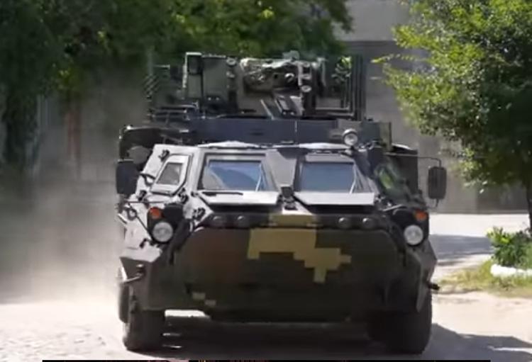 У новых украинских БТР появились трещины