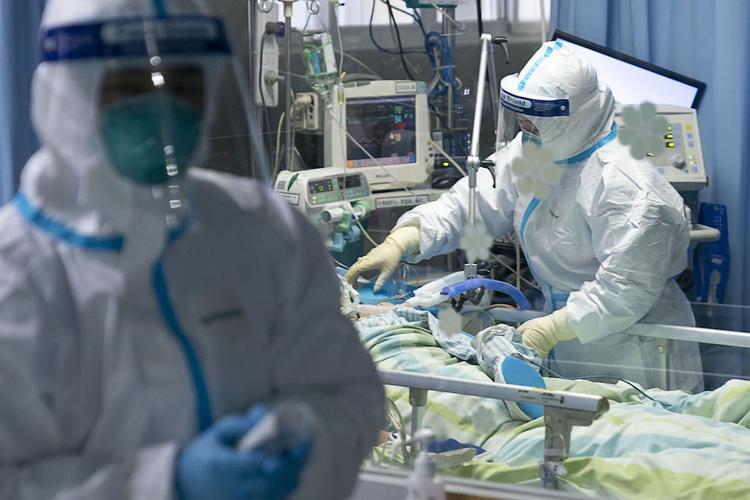 Количество умерших от коронавируса в Китае превысило 40 человек