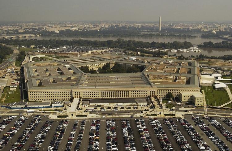 США намерены усилить контроль на своих военных базах за курсантами-иностранцами