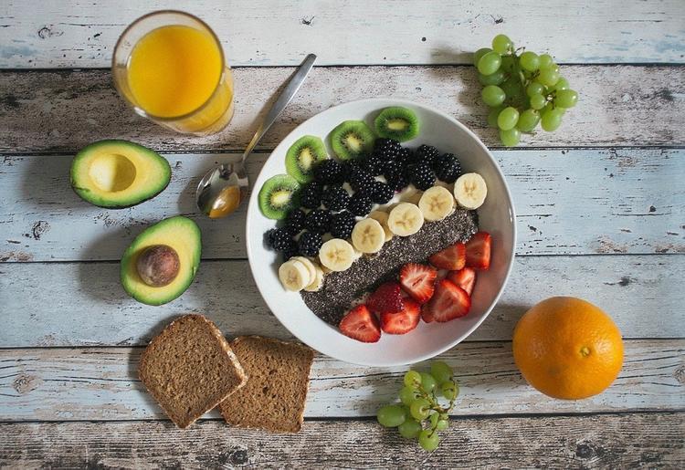 Диетологи назвали продукты, которые помогут быстро сжечь жир и нарастить мышцы