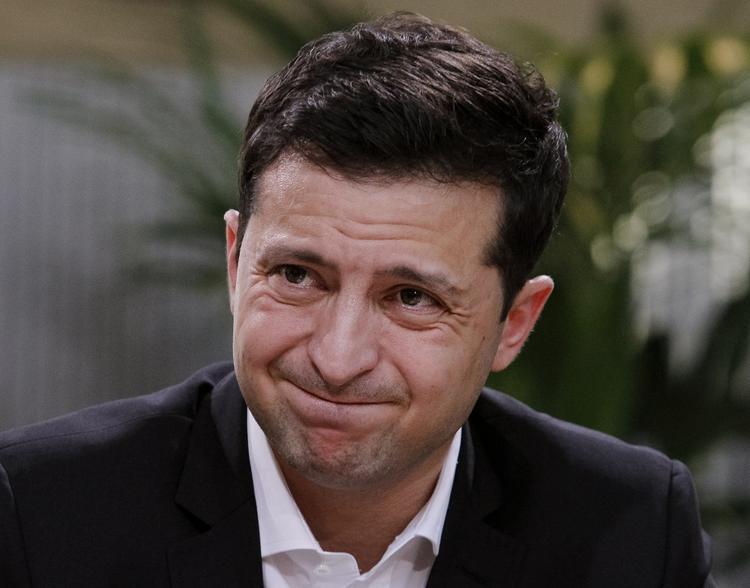 Киевский адвокат заявила о превращении президента Зеленского в «живого мертвеца»