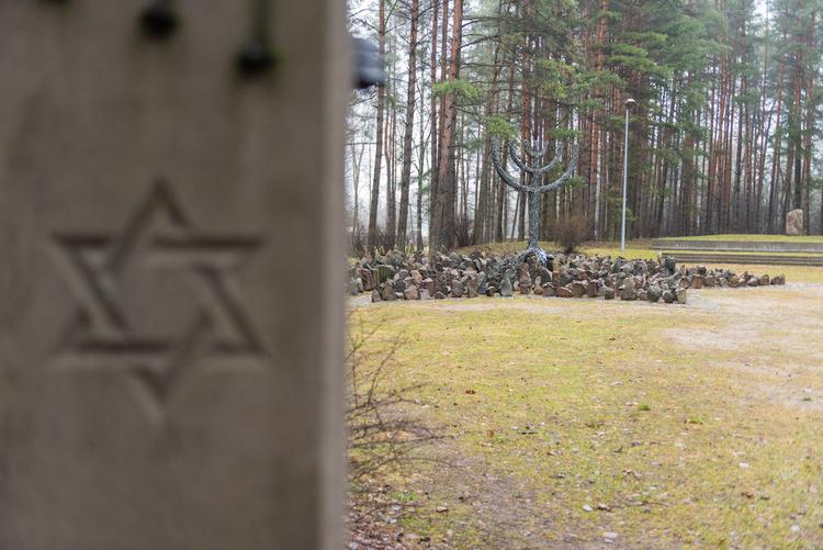 Это нужно не мертвым: Холокост в оккупированной немцами Латвии