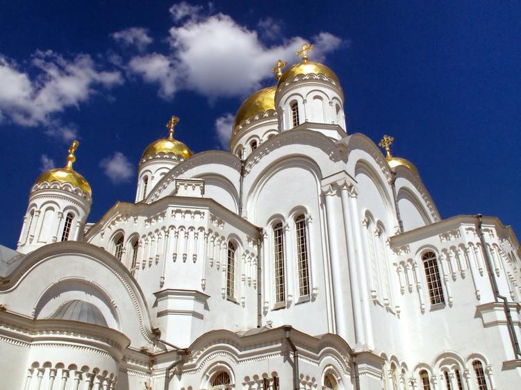 В Москве прошёл молебен о спасении от коронавируса