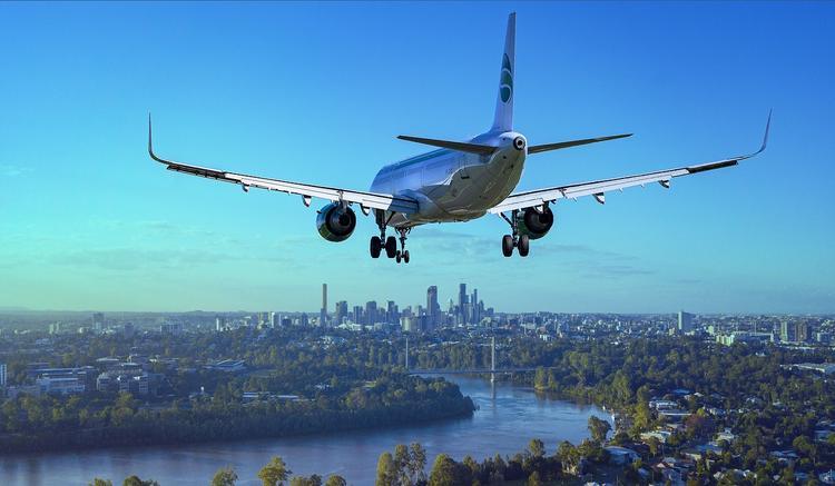 Самолет запросил экстренную посадку в Новосибирске из-за технических неполадок