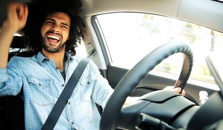 Насколько музыка может помешать вождению