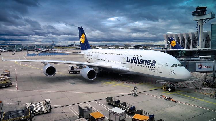 СМИ: Lufthansa планирует отменить все рейсы в Китай из-за коронавируса
