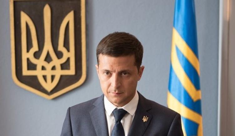 Зеленского подозревают в тайном наделении Донбасса особым статусом