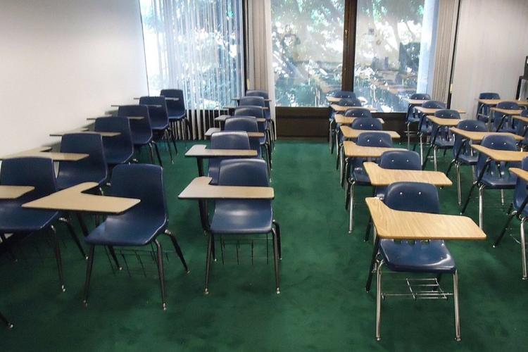 В Тюмени все школы закрыли на карантин