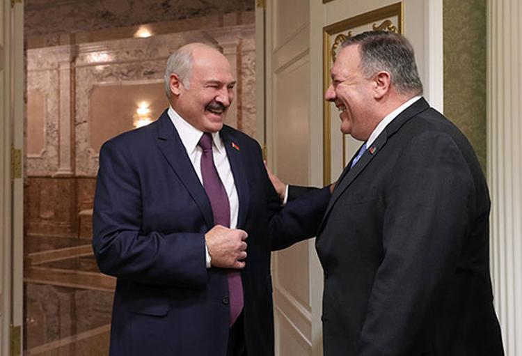 Вашингтон лезет в Минск