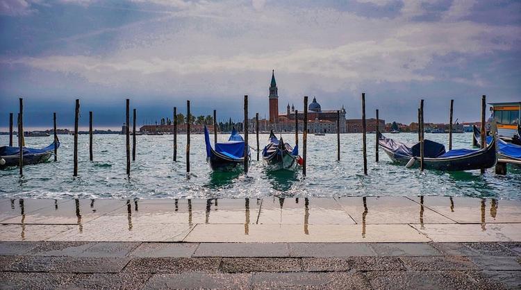В Венеции проводят операцию по обезвреживанию бомбы времен Второй мировой войны