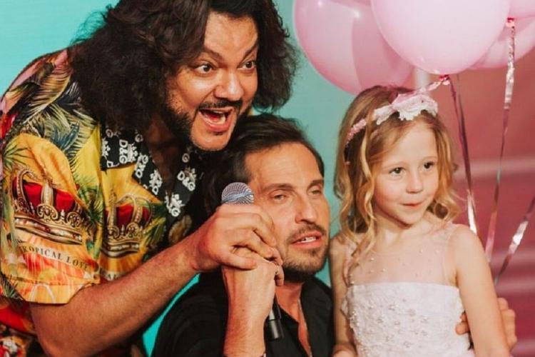 6-летняя блогер Настя Радзинская отпраздновала день рождения в компании Киркорова и Реввы