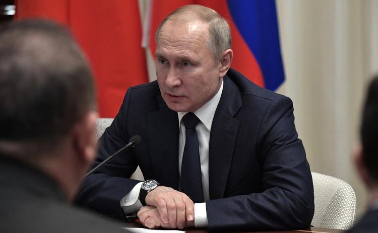 Путин подумает о введении профессионального праздника для преподавателей вузов
