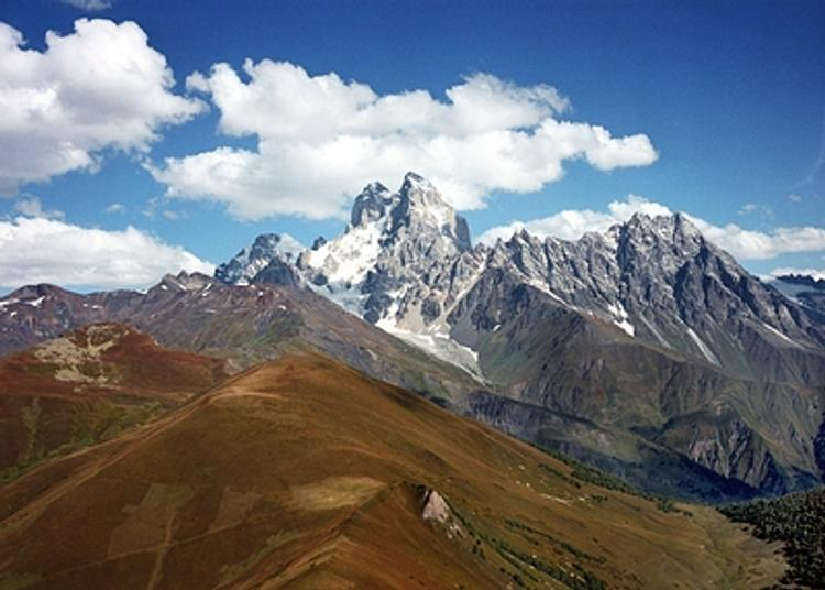 Гражданка России погибла в Грузии в результате схода лавины на участке  трассы Коби - Гудаури
