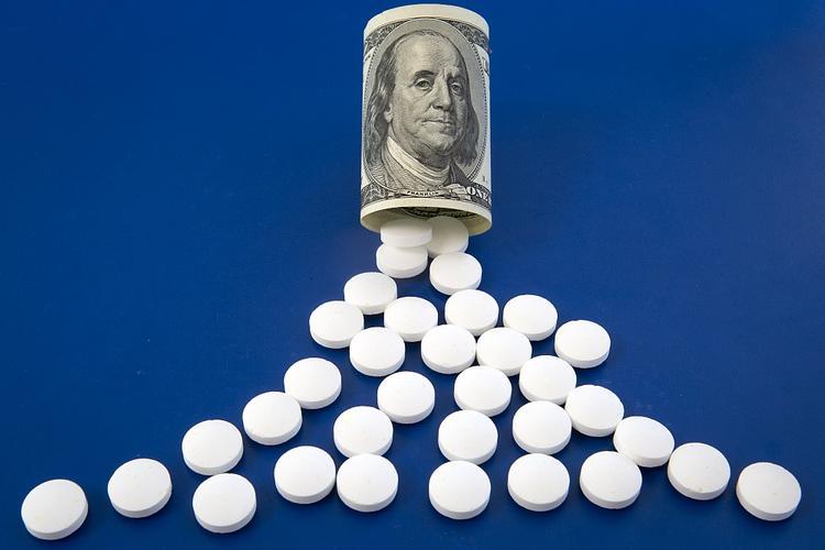 РАН обнаружила в реестре Минздрава 16 сомнительных препаратов