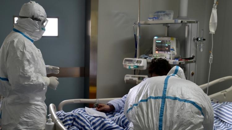 Власти Китая сообщили новые данные о жертвах коронавируса на 5 февраля