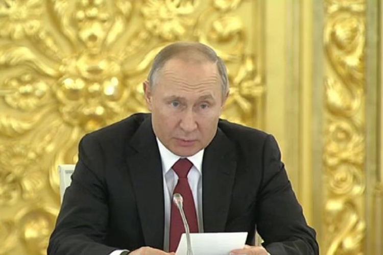 Путин предложил построить в регионах современные студенческие городки