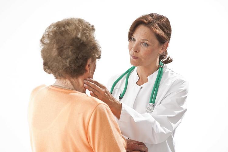 Шесть требующих внимания симптомов появления раковой опухоли перечислили доктора