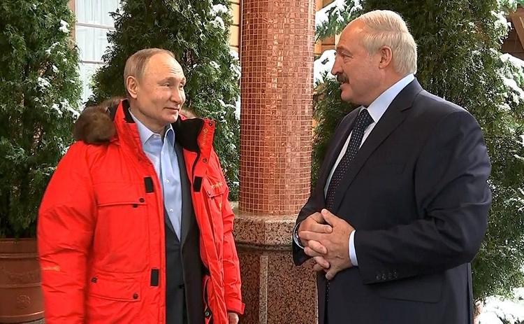 Лукашенко пожаловался на нехватку снега на встрече с Путиным в Сочи: