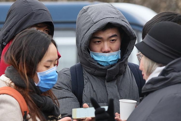 Cитуацию с коронавирусом председатель КНР Си Цзиньпин обсудил с Трампом