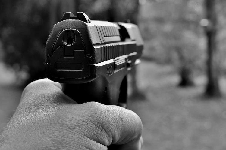 В Томске мужчина устроил стрельбу по коммунальщикам