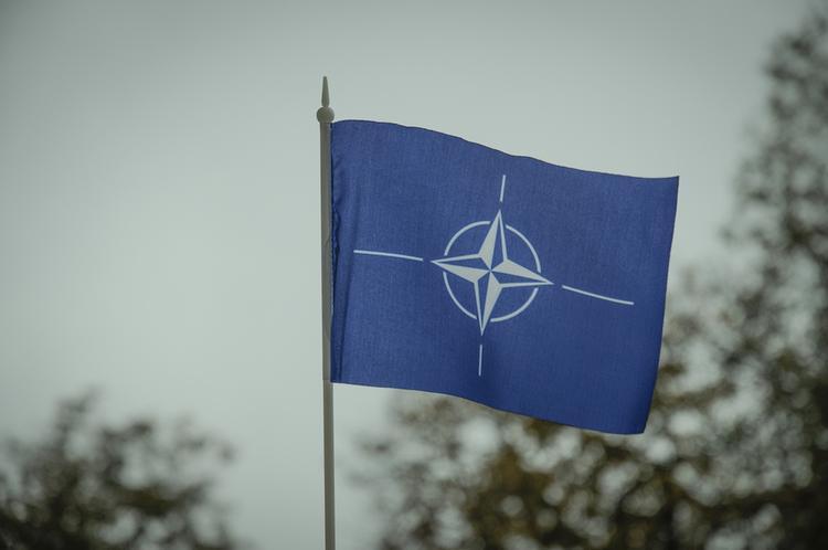 Военный эксперт объяснил, почему в НАТО заявили об угрозе со стороны России в космосе