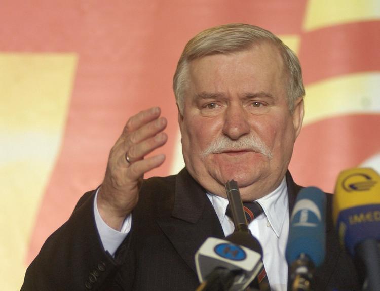 Экс-президент Польши высмеял требования страны о репарациях от России