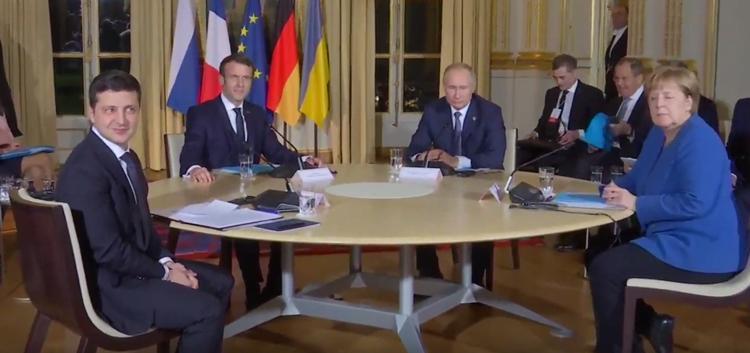Зеленский опять позвонил Путину