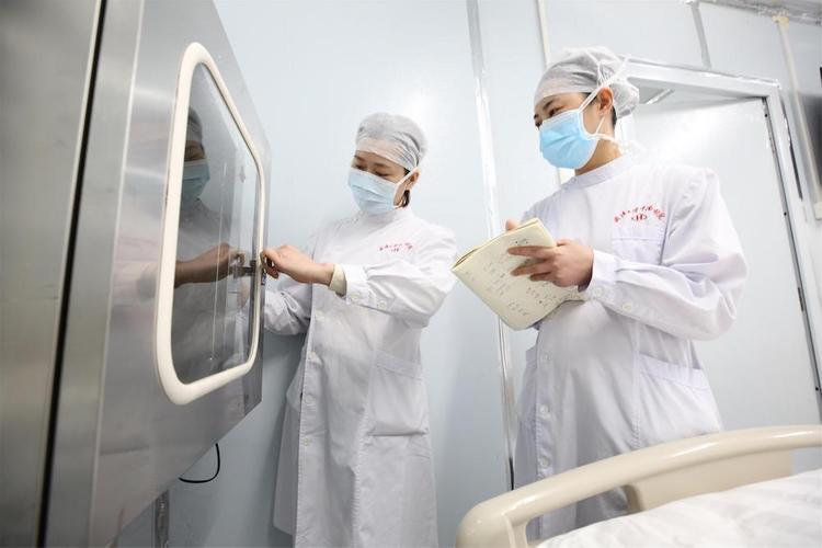 Количество жертв коронавируса в Китае достигло 1380 человек
