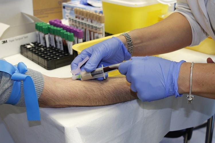 В Китае нашли действенный способ лечения коронавируса, спасены 10 человек