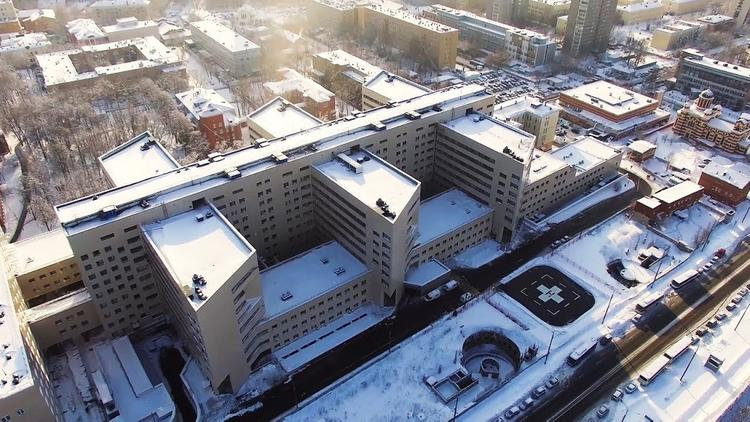 Трое россиян устроили побег из коронавирусного карантина в Санкт-Петербурге