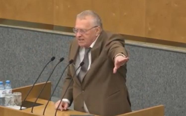 Жириновский отказался пожимать руки коллегам из-за коронавируса