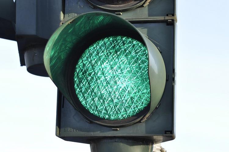 В Астрахани неизвестный украл светофор