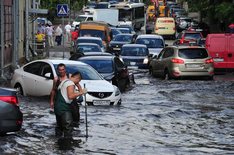 «Предсказание Нострадамуса» об ударе природной стихии по России огласили в СМИ