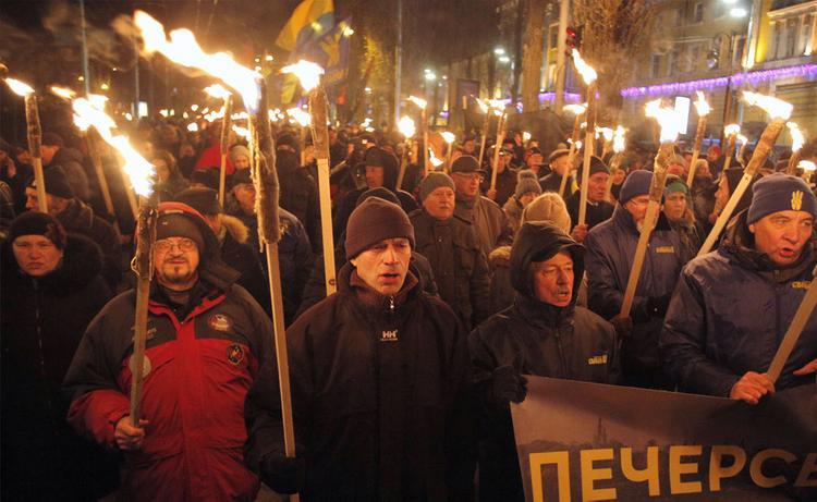 Киев узаконит нацистское приветствие отдельным приказом