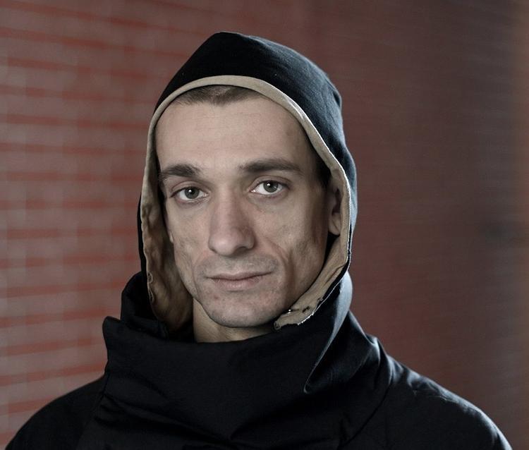 Художник Павленский попался на сливе компромата