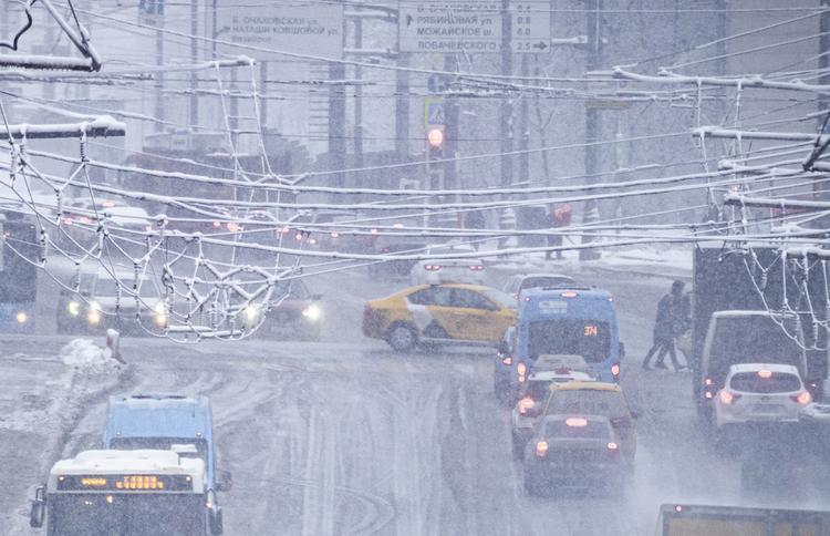 ДТП с десятью автомобилями произошло во Владивостоке из-за снегопада